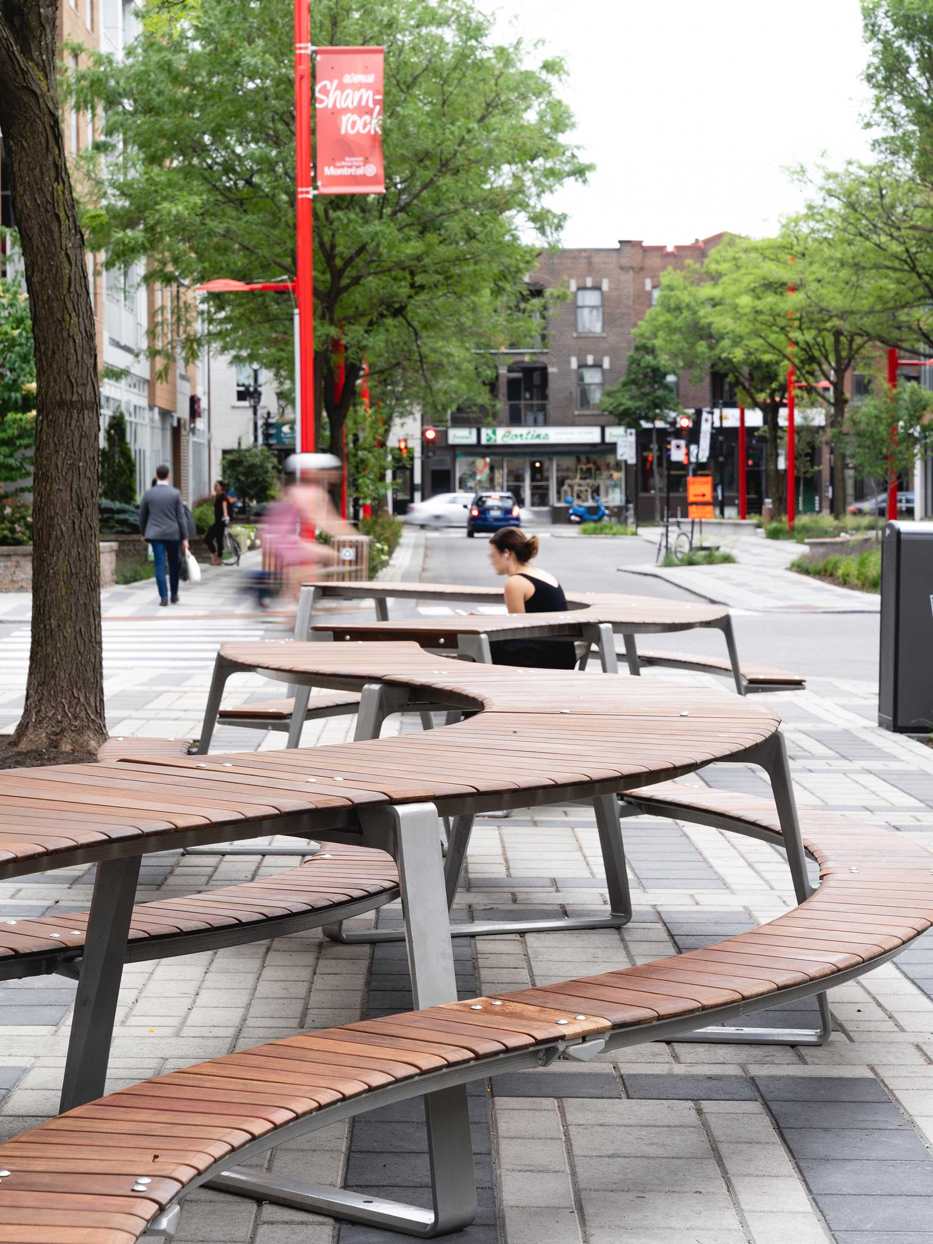 avenue shamrock table
